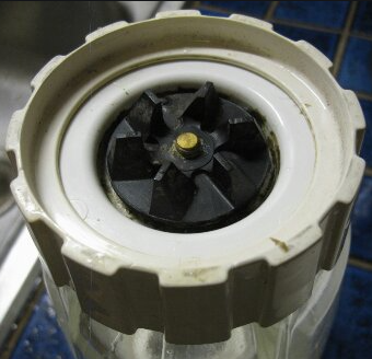 How To Unscrew A Stuck Blender Bottom In 2021