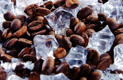 Should you freeze coffee beans before grinding?
